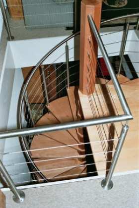 Wendeltreppe in Holz